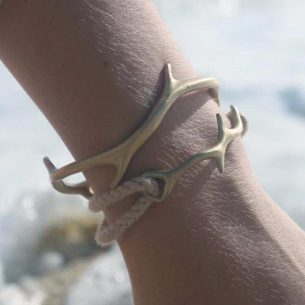 CORAL Drift ROPE BRACELET IN MATTE BRASS and natural rope