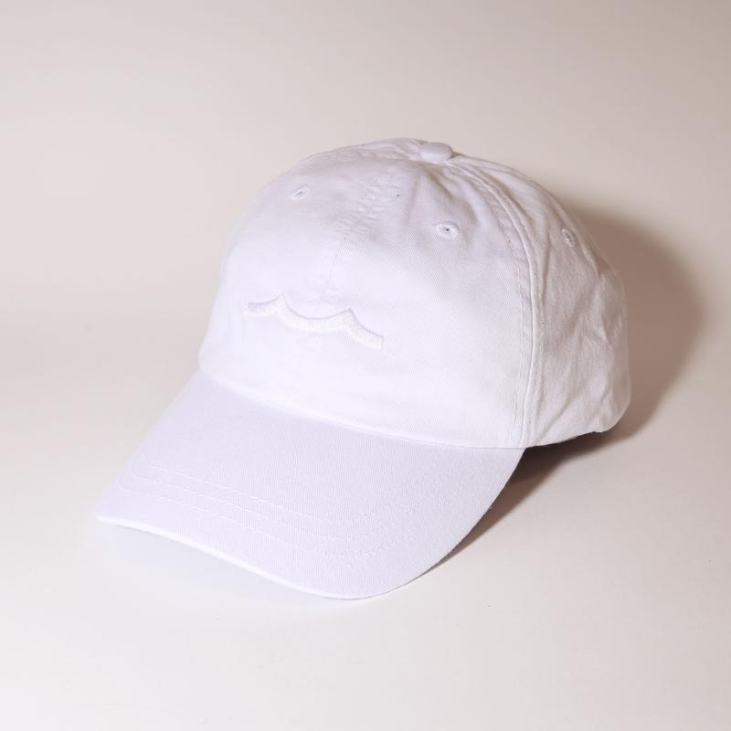Roth Tevet Hat in White